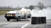 S01 Ep1 : A l'épreuve des 4 éléments - Top Gear France